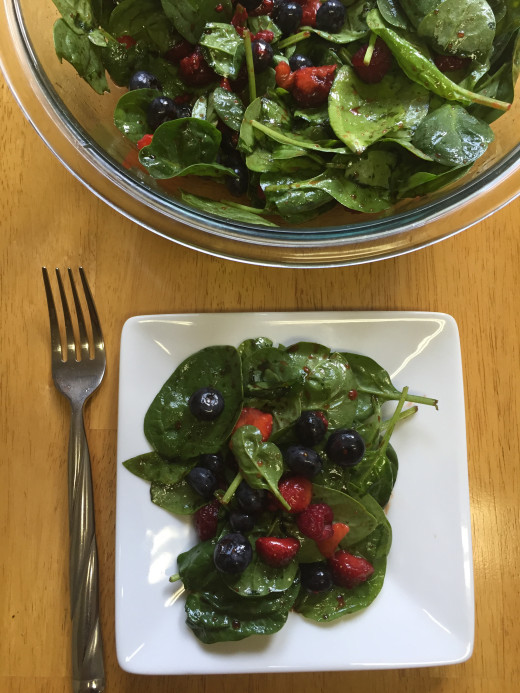Triple-Berry-Spinach-Salad_-520x693